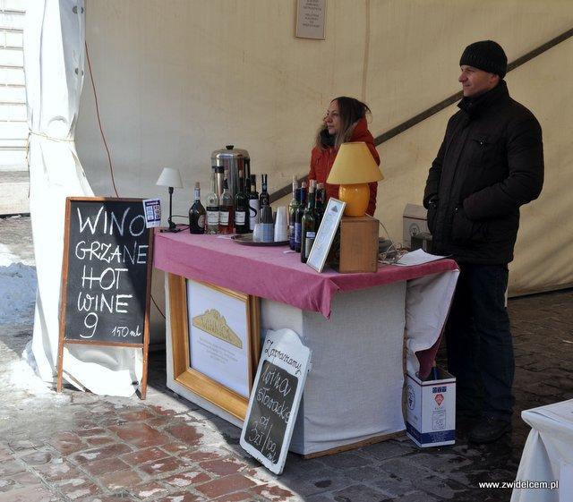 Kraków - Festyn Wiosenny Mały Rynek - grzane wino