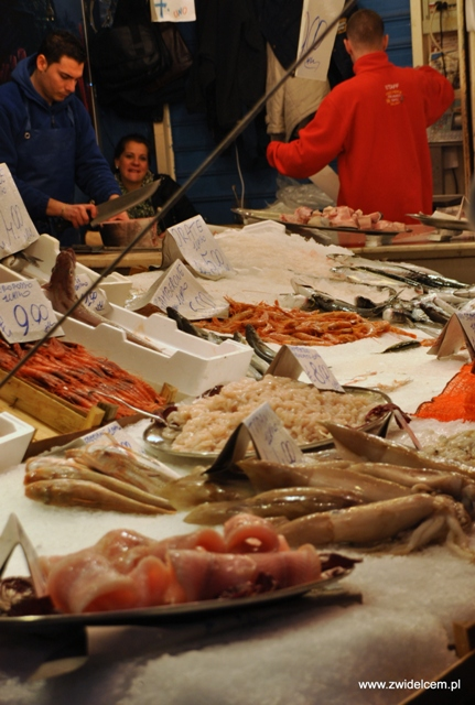 Palermo - Ballaro market - owoce morza