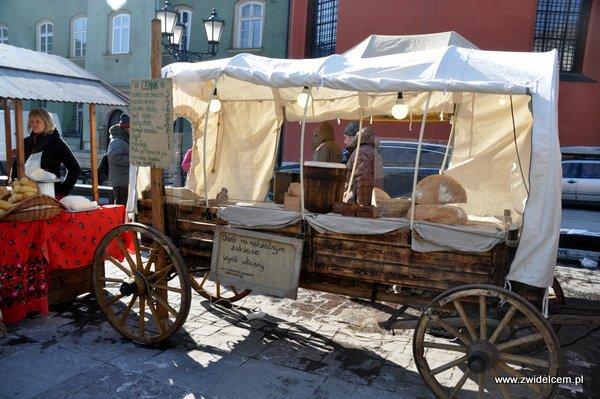 Kraków - Tour de Fromage - wóz z chlebem