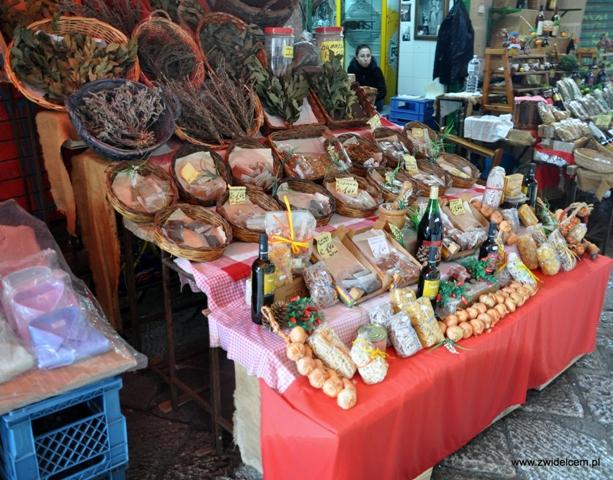 Palermo - Vucciria market - stragan z przyprawami
