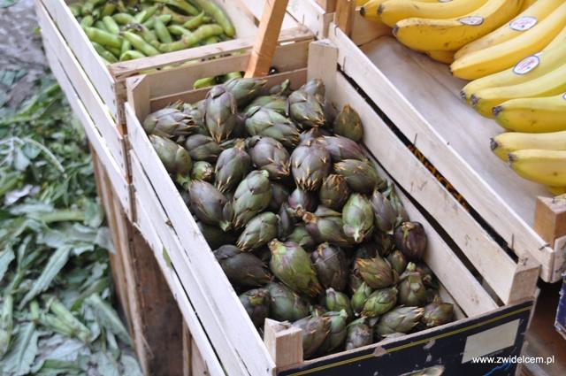 Palermo - Capo market - karczochy małe