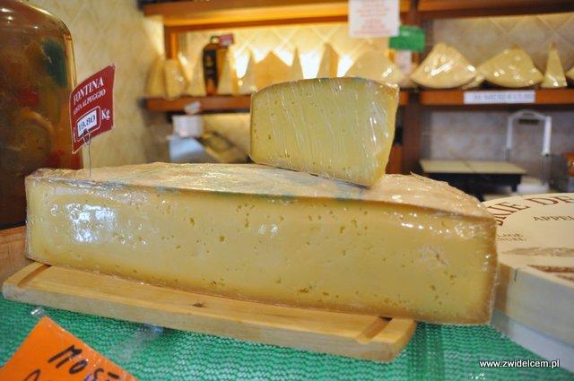 Parma - sklep Rastelli - ser - zbliżenie