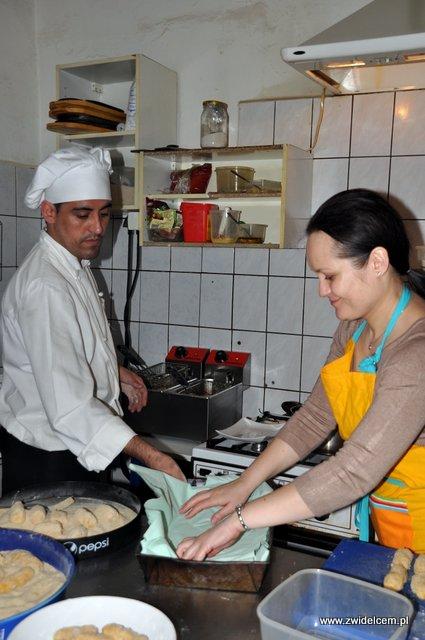 Kraków – Valparaiso – warsztaty tapas – przygotowanie brytfanki