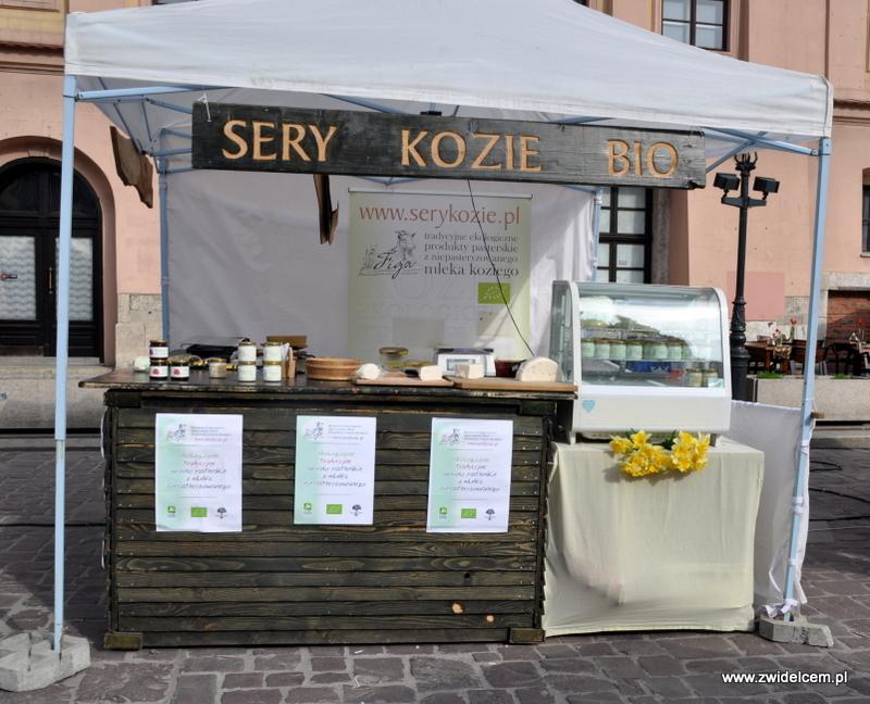 05-DSC_0379Kraków - Mały Rynek - Dni Węgrzyna - sery kozie