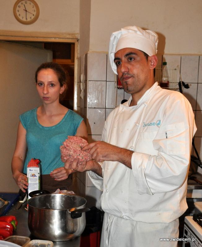 Kraków - Valparaiso - warsztaty dań duszonych - mięso na klopsiki