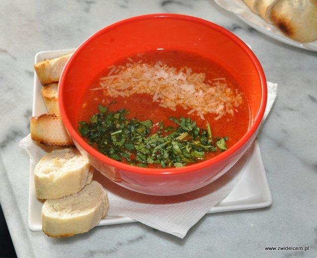 Kraków - Cava - zupa krewetkowa z pomidorami