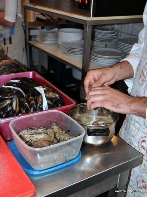 Valparaíso – warsztaty owoce morza - obieramy krewetki