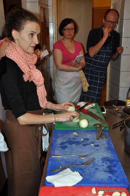 Valparaíso - warsztaty owoce morza - krojenie cebuli