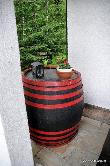Czarna - Zajazd pod Czarnym Kogutem - beczka