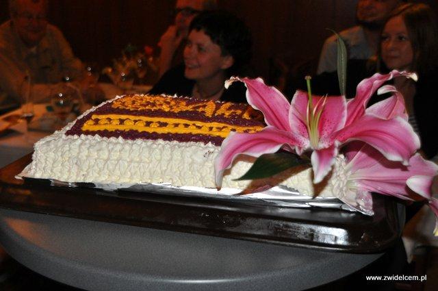 Kraków - Alebriche - urodziny - tort z boku