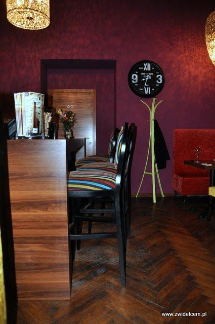 w - Bistro Parasol - bar