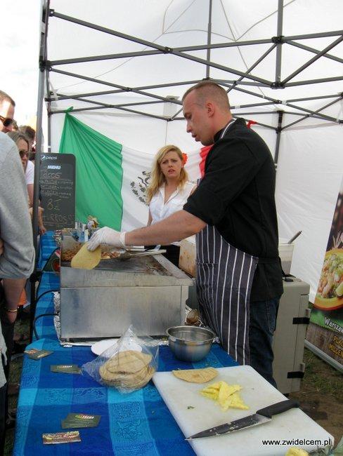 Warszawa - Street Food Festival - podgrzewamy tacos