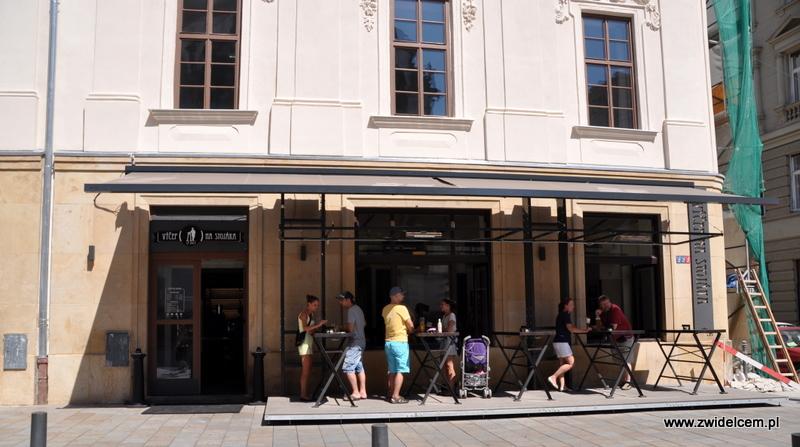 Morawy - Brno - BAr na Stojąco