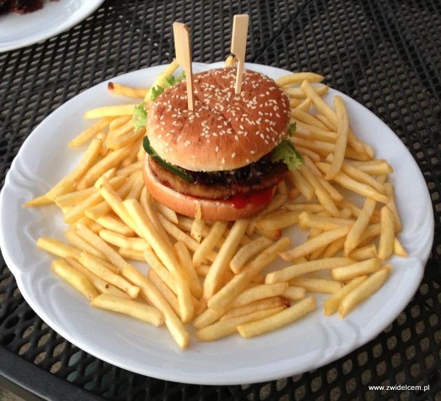 Morawy - Rozdrojovice - Hotel Atlantis - Burger