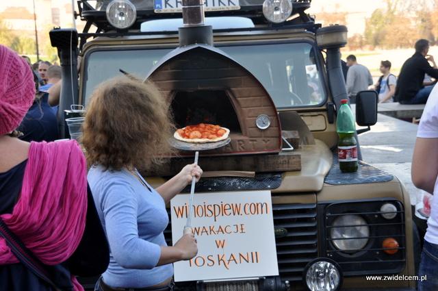 Najedzeni Fest Jesień - Wino i śpiew - pizza z pieca