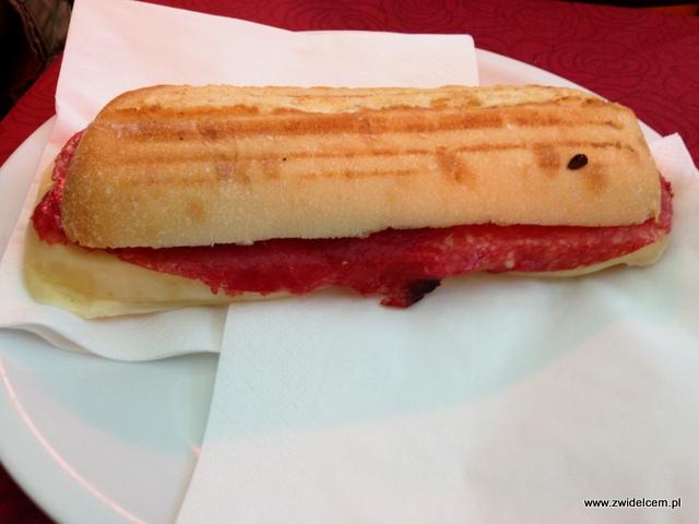 Piza - Cafe Torre - panino z salami