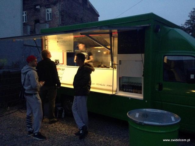 Kraków - Streat Slow Food - w oczekiwaniu na burgery