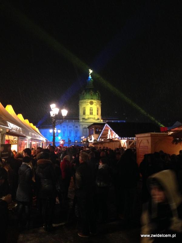 Berlin - weihnachtsmarkt charlottenburg - ludzie