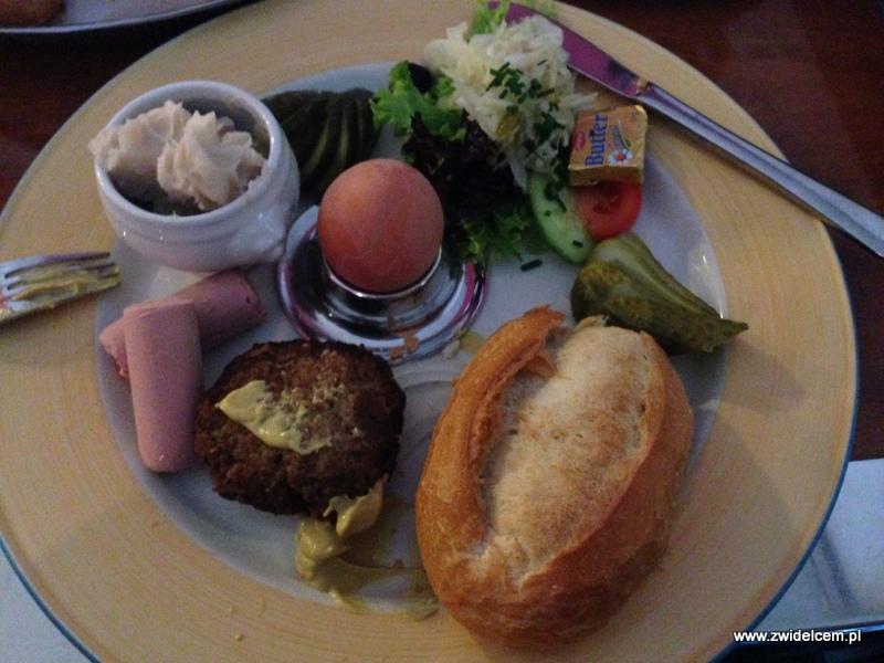 Berlin - Die Eins - śniadanie ze smalcem i kotletem