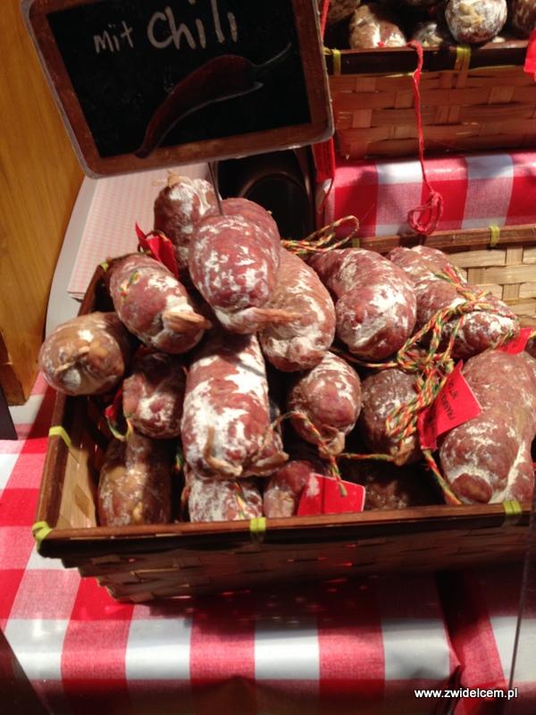 Berlin - weihnachtsmarkt charlottenburg - kiełbasa z chili