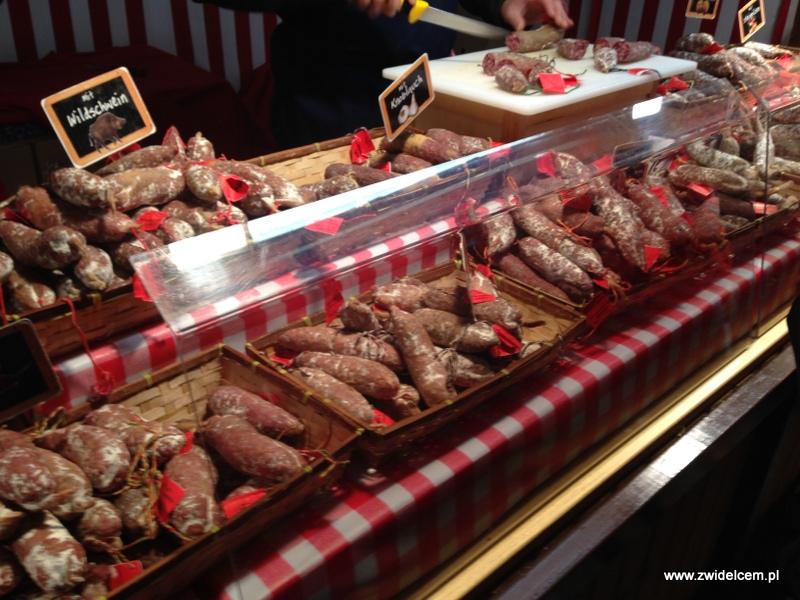 Berlin - weihnachtsmarkt charlottenburg - kiełbasy