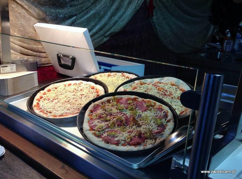 Berlin – Weihnachtsmarkt w Charlottenburg - pizza