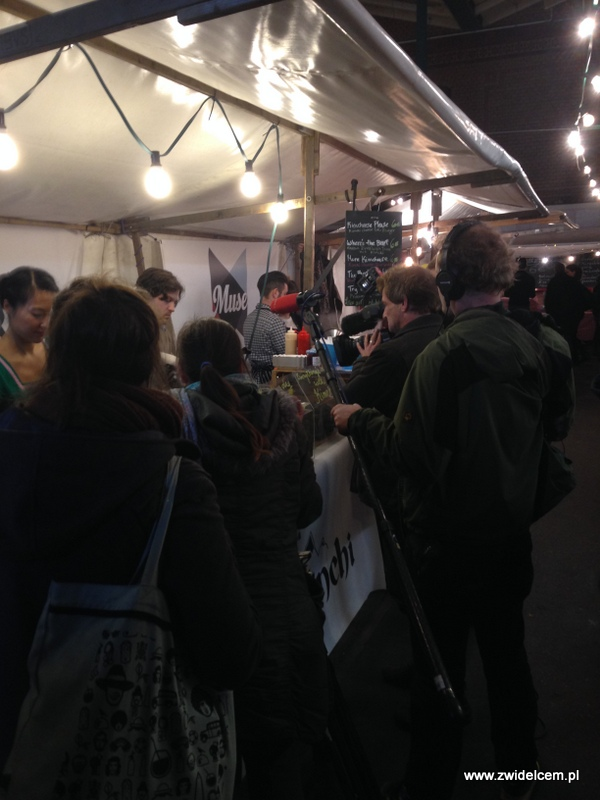 Berlin – Markthalle Neun – Street Food Thursdsay – kolejki