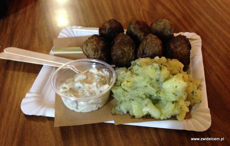 Berlin – Markthalle Neun – Street Food Thursdsay – meatballs z sałatką ziemniaczaną