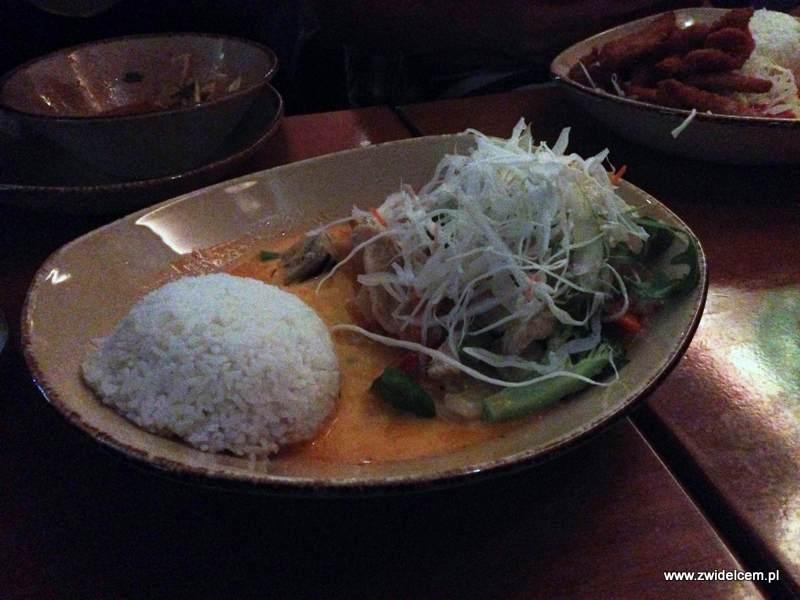 Berlin - Tonkin - kurczak w curry z warzywami