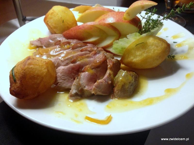 Kraków - Etnika - kaczka w sosie morelowym z ziemniakami opiekanymi na złoto