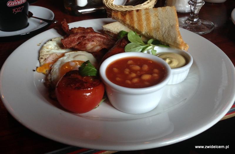 Kraków - Moment - śniadanie brytyjskie