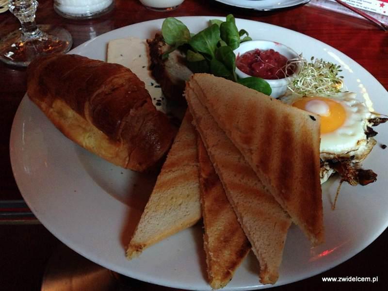Kraków - Moment - jesienne śniadanie