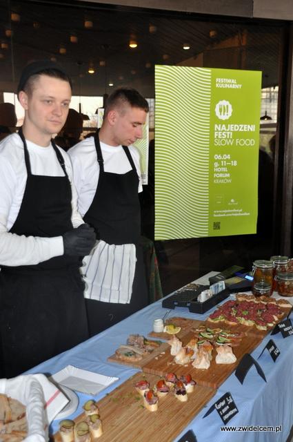 Kraków - Najedzeni Fest Slow Food - kanapeczki od Forum Przestrzenie