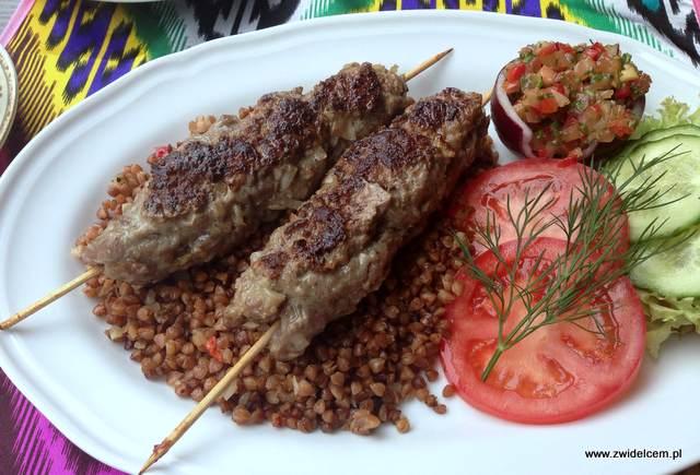Kraków - Restauracja uzbecka Samarkand - szaszłyki z baraniny na kaszy gryczanej