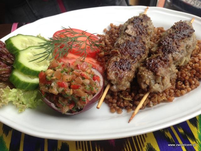 Kraków - Restauracja uzbecka Samarkand - Lula - szaszłyki z baraniny z kaszą gryczaną