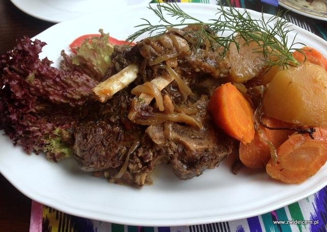 Kraków - Restauracja uzbecka Samarkand - baranina po uzbecku z duszonymi ziemniakami i marchewką