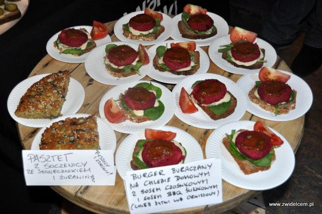 Kraków - Foodstock BBQ - Fabryka - Otwarte Klatki - burger buraczany