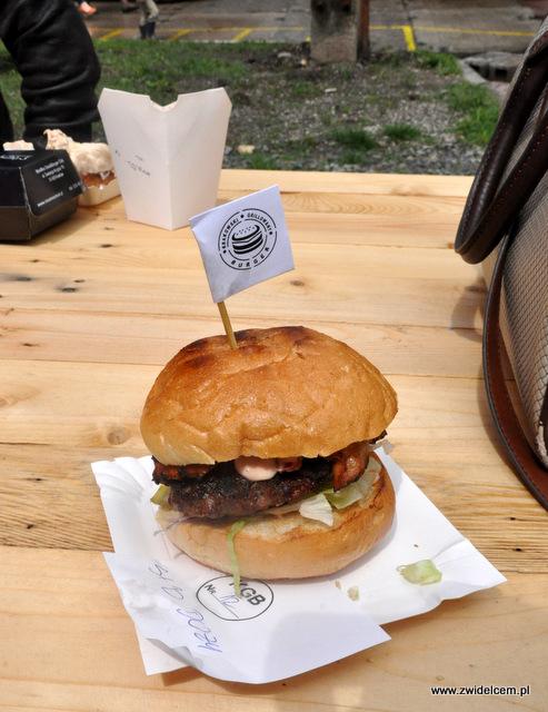 Kraków - Foodstock BBQ - Fabryka - Krakowski Grillowany Burger - Ser i bekon