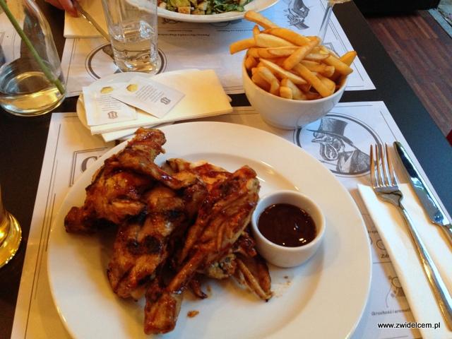 Kraków - The Chicken Club - kurczak z frytkami i sosem BBQ