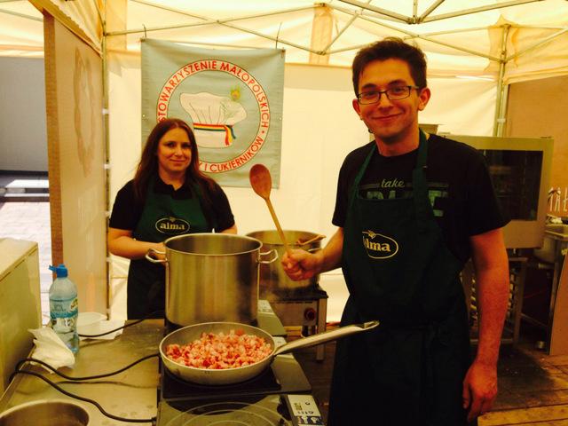 Wieliczka - Małopolski Festiwal Smaku - gotowanie zupy chłopskiej
