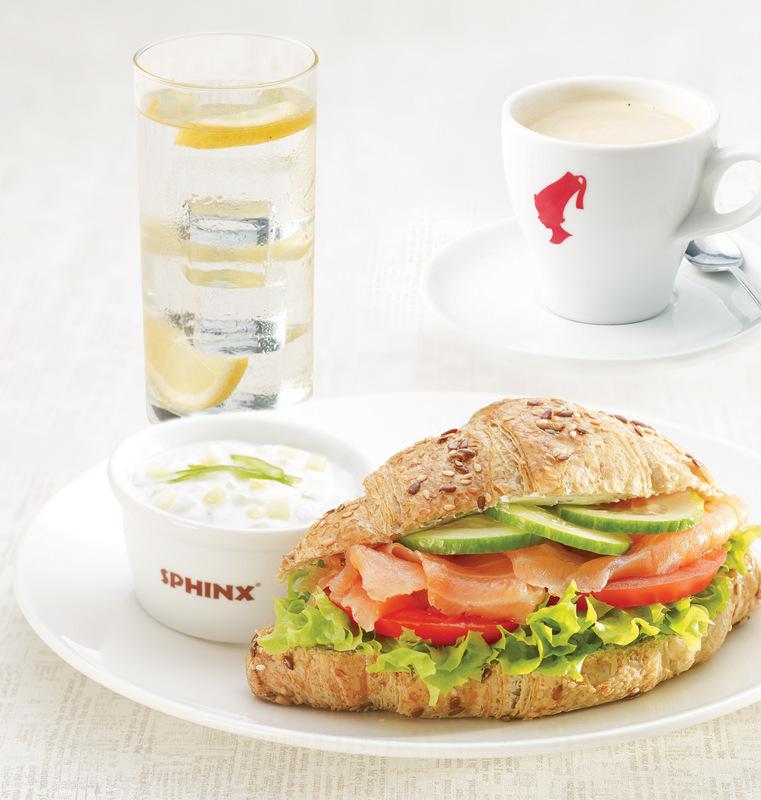 Sphinx – śniadanie prasowe – zdjęcie Sphinx -Croissant z lososiem