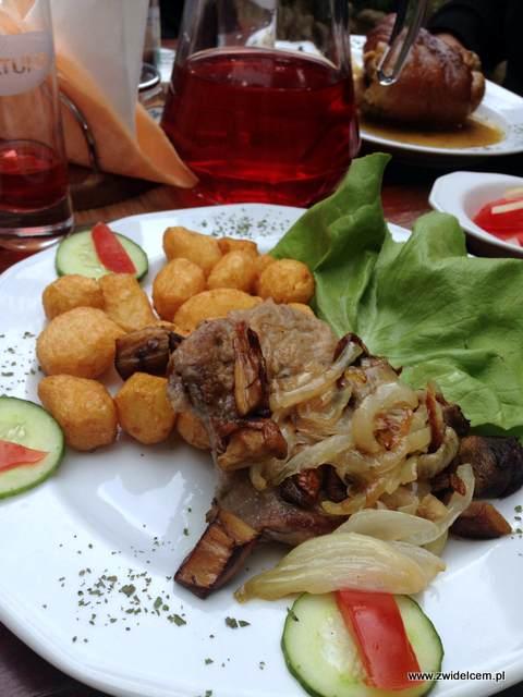 Krościenko - Zajazd Sokolica - stek z polędwicy z borowikami