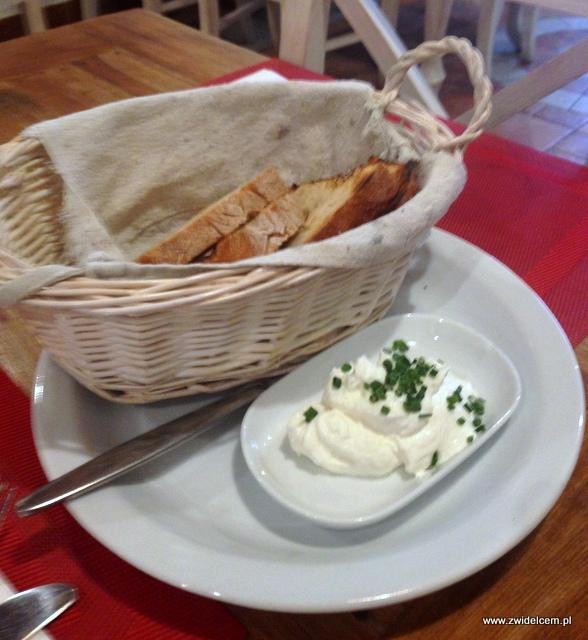 Kraków – Zdybanka –chleb z twarożkiem