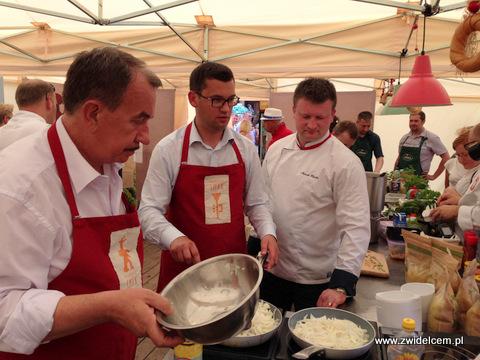 Miechów – Małopolski Festiwal Smaku – gotowanie cebulowej