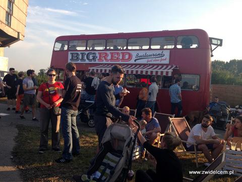 Kraków - Forum Przestrzenie - FORUM FOOD CAMP - Big Red Bustaurant i leżaki