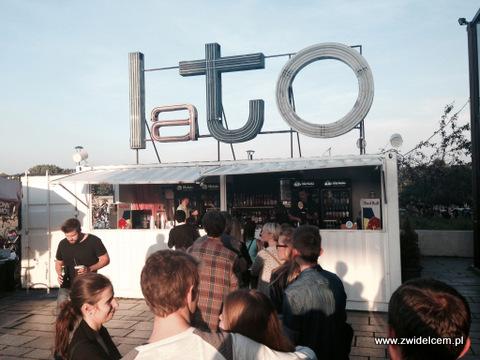 Kraków - Forum Przestrzenie - FORUM FOOD CAMP - bar w dzień