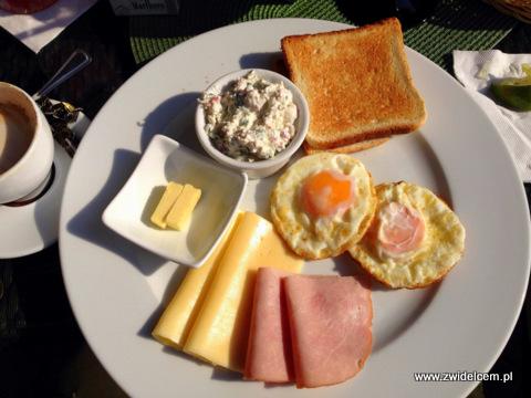 Kraków - Le Scandale -śniadanie z jajkiem sadzonym