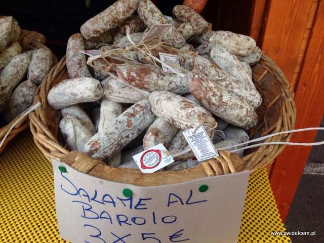 Bergamo - Villaggio Di Natale - jarmark bożonarodzeniowy - salami