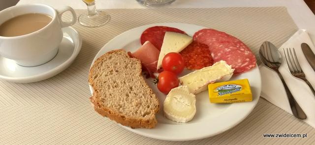 Hiszpania - Benalmadena - śniadanie w Casa Rosa