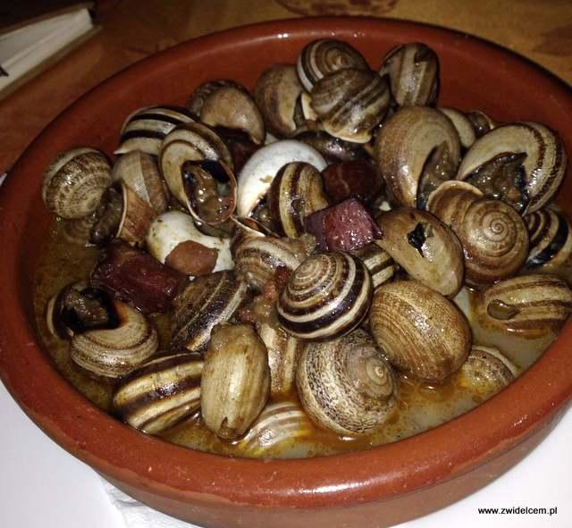 Hiszpania - Benalmadena - La taperia de Benalmadena - caracoles - ślimaki